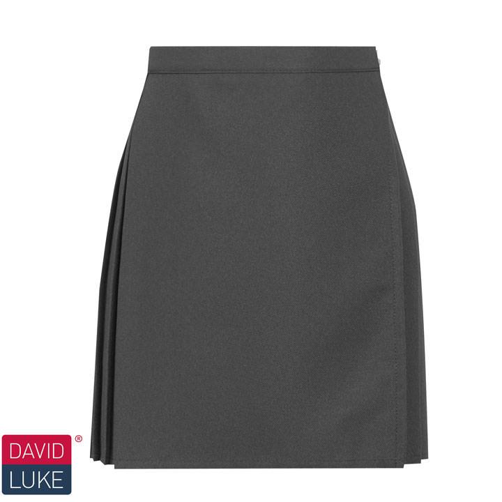 0e44f897c5 Shorts and Skorts • Thomas Moore