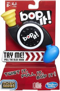Hasbro B0639 Bop-it Micro Series Game