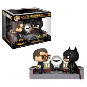 POP! BATMAN WITH LIGHT UP BAT SIGNAL